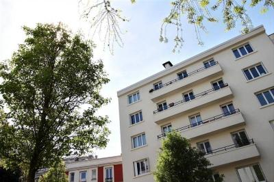 Appartement Vanves &bull; <span class='offer-area-number'>78</span> m² environ &bull; <span class='offer-rooms-number'>4</span> pièces