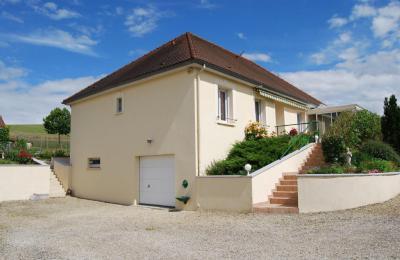 Maison Aix en Othe &bull; <span class='offer-area-number'>143</span> m² environ &bull; <span class='offer-rooms-number'>5</span> pièces