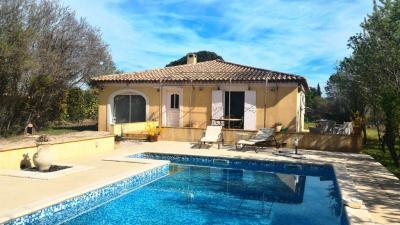 Maison Montfort sur Argens &bull; <span class='offer-area-number'>120</span> m² environ &bull; <span class='offer-rooms-number'>5</span> pièces