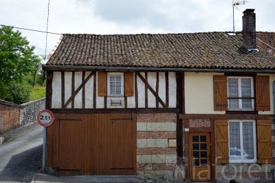 Maison La Neuville au Pont &bull; <span class='offer-area-number'>142</span> m² environ &bull; <span class='offer-rooms-number'>5</span> pièces