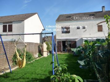 Maison Roissy en Brie &bull; <span class='offer-area-number'>100</span> m² environ &bull; <span class='offer-rooms-number'>4</span> pièces