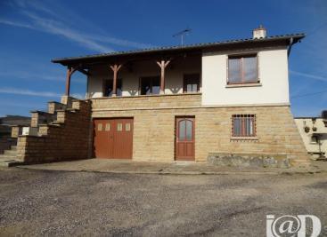 Maison Davaye &bull; <span class='offer-area-number'>115</span> m² environ &bull; <span class='offer-rooms-number'>4</span> pièces