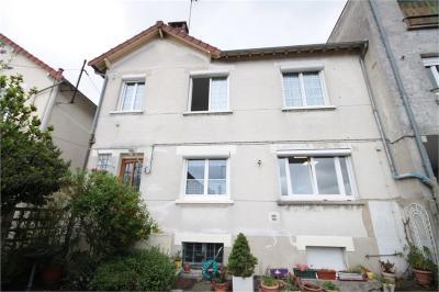 Appartement La Frette sur Seine &bull; <span class='offer-area-number'>82</span> m² environ &bull; <span class='offer-rooms-number'>4</span> pièces