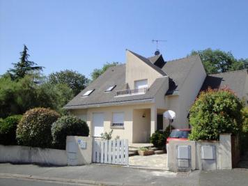Villa St Berthevin &bull; <span class='offer-area-number'>178</span> m² environ &bull; <span class='offer-rooms-number'>6</span> pièces