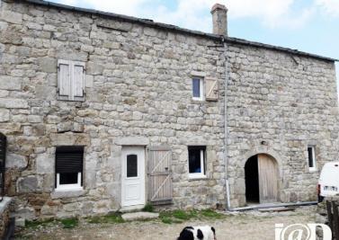 Maison St Agreve &bull; <span class='offer-area-number'>274</span> m² environ &bull; <span class='offer-rooms-number'>6</span> pièces