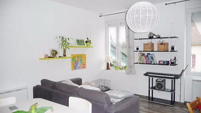 Appartement Bellegarde sur Valserine &bull; <span class='offer-area-number'>64</span> m² environ &bull; <span class='offer-rooms-number'>3</span> pièces