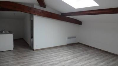 Appartement Trebes &bull; <span class='offer-area-number'>43</span> m² environ &bull; <span class='offer-rooms-number'>3</span> pièces
