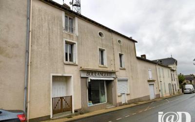 Maison Menigoute &bull; <span class='offer-area-number'>140</span> m² environ &bull; <span class='offer-rooms-number'>4</span> pièces