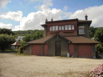 Maison Sochaux &bull; <span class='offer-area-number'>230</span> m² environ &bull; <span class='offer-rooms-number'>7</span> pièces