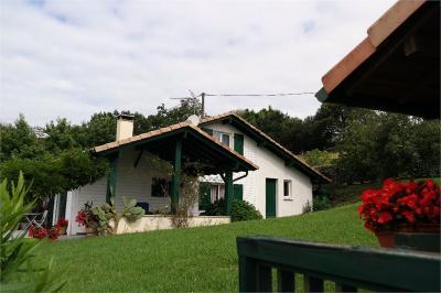 Maison Briscous &bull; <span class='offer-area-number'>105</span> m² environ &bull; <span class='offer-rooms-number'>4</span> pièces