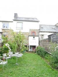 Maison St Brieuc &bull; <span class='offer-area-number'>74</span> m² environ &bull; <span class='offer-rooms-number'>4</span> pièces