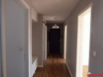 Appartement St Louis &bull; <span class='offer-area-number'>84</span> m² environ &bull; <span class='offer-rooms-number'>3</span> pièces