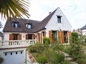 Maison Courville sur Eure &bull; <span class='offer-area-number'>234</span> m² environ &bull; <span class='offer-rooms-number'>8</span> pièces