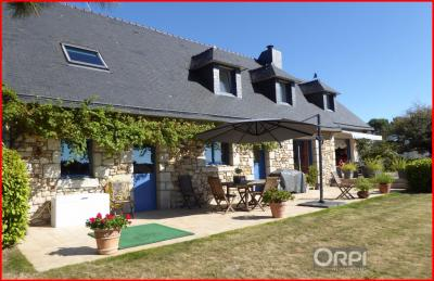 Maison Sarzeau &bull; <span class='offer-area-number'>180</span> m² environ &bull; <span class='offer-rooms-number'>7</span> pièces
