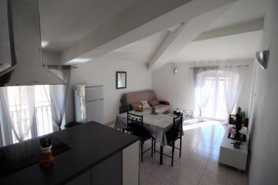 Appartement Ajaccio &bull; <span class='offer-area-number'>45</span> m² environ &bull; <span class='offer-rooms-number'>2</span> pièces