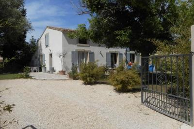 Maison Monteux &bull; <span class='offer-area-number'>135</span> m² environ &bull; <span class='offer-rooms-number'>5</span> pièces
