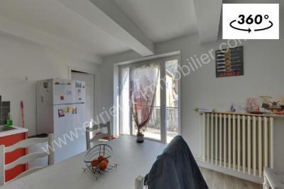 Maison St Laurent du Pape &bull; <span class='offer-area-number'>200</span> m² environ &bull; <span class='offer-rooms-number'>7</span> pièces