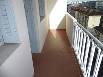Appartement Lyon 06 &bull; <span class='offer-area-number'>41</span> m² environ &bull; <span class='offer-rooms-number'>2</span> pièces