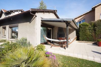 Maison Rillieux la Pape &bull; <span class='offer-area-number'>147</span> m² environ &bull; <span class='offer-rooms-number'>5</span> pièces