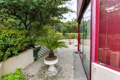 Appartement St Jean de Luz &bull; <span class='offer-area-number'>67</span> m² environ &bull; <span class='offer-rooms-number'>3</span> pièces