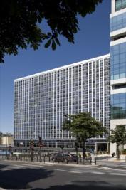 Appartement Paris 15 &bull; <span class='offer-area-number'>32</span> m² environ &bull; <span class='offer-rooms-number'>1</span> pièce