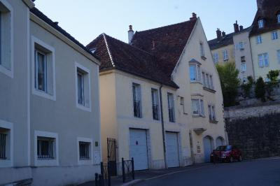 Appartement Dole &bull; <span class='offer-area-number'>67</span> m² environ &bull; <span class='offer-rooms-number'>3</span> pièces