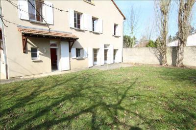 Maison Bousse &bull; <span class='offer-area-number'>200</span> m² environ &bull; <span class='offer-rooms-number'>6</span> pièces