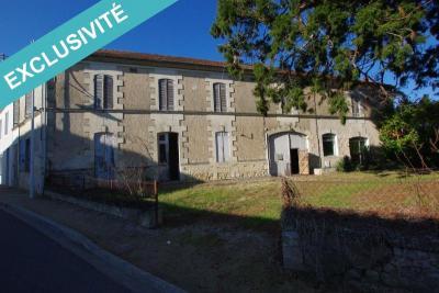 Maison St Bonnet sur Gironde &bull; <span class='offer-area-number'>300</span> m² environ &bull; <span class='offer-rooms-number'>8</span> pièces