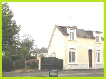 Maison Montreuil Juigne &bull; <span class='offer-rooms-number'>5</span> pièces