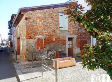 Maison Verdun sur Garonne &bull; <span class='offer-area-number'>200</span> m² environ &bull; <span class='offer-rooms-number'>6</span> pièces