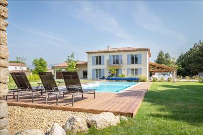 Maison Peynier &bull; <span class='offer-area-number'>240</span> m² environ &bull; <span class='offer-rooms-number'>7</span> pièces