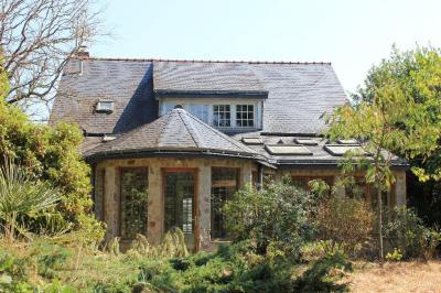 Maison Beaufort en Vallee &bull; <span class='offer-area-number'>175</span> m² environ