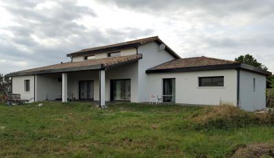 Maison Seysses &bull; <span class='offer-area-number'>240</span> m² environ &bull; <span class='offer-rooms-number'>5</span> pièces