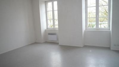 Appartement Lannion &bull; <span class='offer-area-number'>43</span> m² environ &bull; <span class='offer-rooms-number'>2</span> pièces