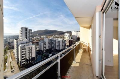 Appartement Clermont Ferrand &bull; <span class='offer-area-number'>67</span> m² environ &bull; <span class='offer-rooms-number'>3</span> pièces