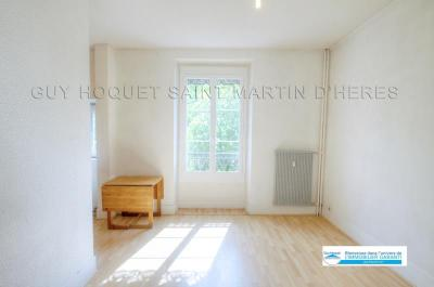 Appartement St Martin d Uriage &bull; <span class='offer-area-number'>46</span> m² environ &bull; <span class='offer-rooms-number'>2</span> pièces