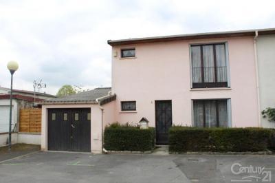 Maison Roissy en Brie &bull; <span class='offer-area-number'>120</span> m² environ &bull; <span class='offer-rooms-number'>4</span> pièces