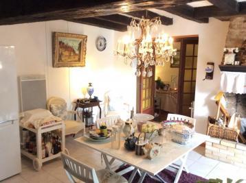 Maison Bessines sur Gartempe &bull; <span class='offer-area-number'>120</span> m² environ &bull; <span class='offer-rooms-number'>4</span> pièces