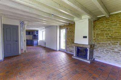 Maison St Vit &bull; <span class='offer-area-number'>85</span> m² environ &bull; <span class='offer-rooms-number'>3</span> pièces