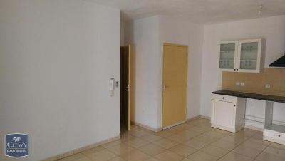 Appartement St Pierre &bull; <span class='offer-area-number'>47</span> m² environ &bull; <span class='offer-rooms-number'>2</span> pièces