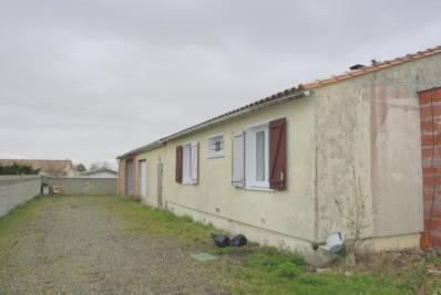 Maison Cussac Fort Medoc &bull; <span class='offer-area-number'>91</span> m² environ &bull; <span class='offer-rooms-number'>6</span> pièces