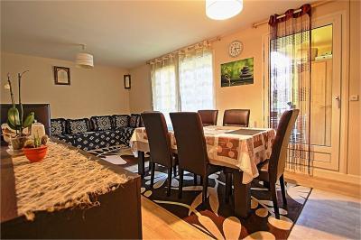 Appartement Bellegarde sur Valserine &bull; <span class='offer-area-number'>86</span> m² environ &bull; <span class='offer-rooms-number'>4</span> pièces