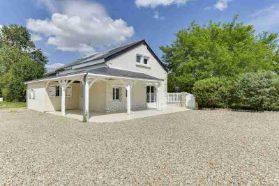 Maison Chouze sur Loire &bull; <span class='offer-area-number'>85</span> m² environ &bull; <span class='offer-rooms-number'>4</span> pièces