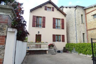 Maison Auvers sur Oise &bull; <span class='offer-area-number'>85</span> m² environ &bull; <span class='offer-rooms-number'>4</span> pièces