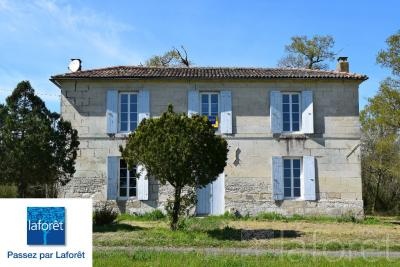 Maison Mortagne sur Gironde &bull; <span class='offer-area-number'>157</span> m² environ &bull; <span class='offer-rooms-number'>5</span> pièces