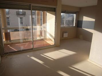 Appartement Nimes &bull; <span class='offer-area-number'>49</span> m² environ &bull; <span class='offer-rooms-number'>2</span> pièces