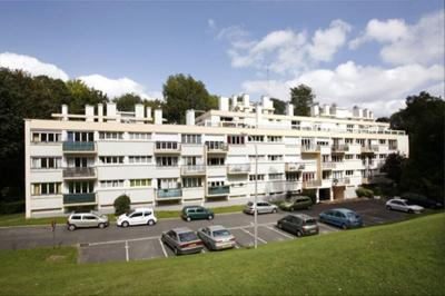 Appartement Ville d Avray &bull; <span class='offer-area-number'>33</span> m² environ &bull; <span class='offer-rooms-number'>1</span> pièce