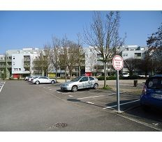 Parking Selestat &bull; <span class='offer-area-number'>12</span> m² environ
