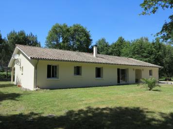 Maison St Vivien de Medoc &bull; <span class='offer-area-number'>142</span> m² environ &bull; <span class='offer-rooms-number'>7</span> pièces
