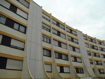 Appartement La Chaussee St Victor &bull; <span class='offer-area-number'>74</span> m² environ &bull; <span class='offer-rooms-number'>4</span> pièces